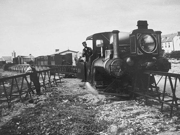 """Những tuyến đường sắt độc đáo đến """"không tưởng"""" trên thế giới"""