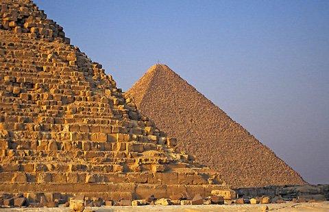 Khám phá đường hầm trong lòng kim tự tháp Cheops