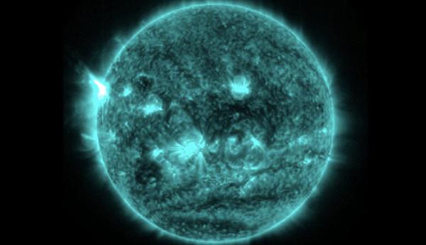 Trong tương lai mặt trời sẽ mọc ở phía Tây?
