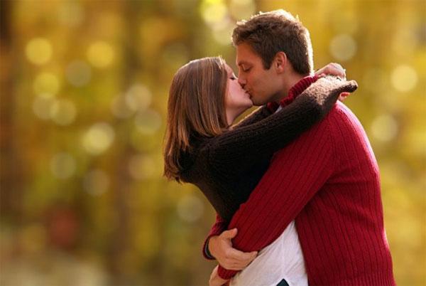 Tại sao mọi người hôn nhau?