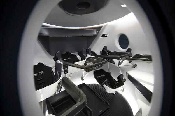 SpaceX tiết lộ nội thất tàu vũ trụ Crew Dragon