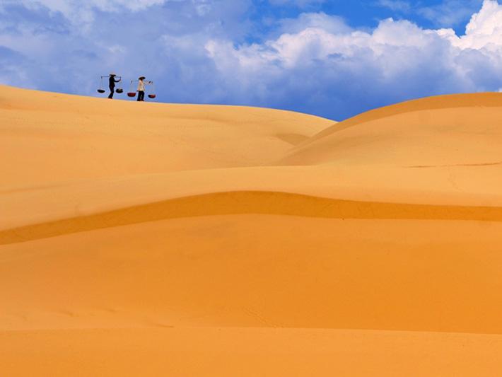 """Bí ẩn """"đồi cát biết hát"""""""
