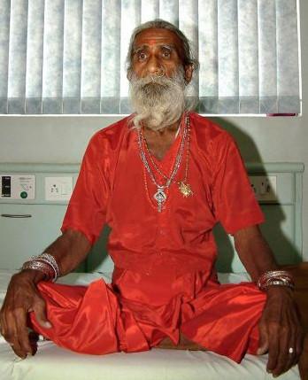 Người đàn ông Ấn Độ 68 năm mà không ăn uống