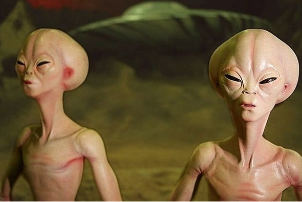 """Vì sao chúng ta chưa thể """"chạm trán"""" người ngoài hành tinh?"""