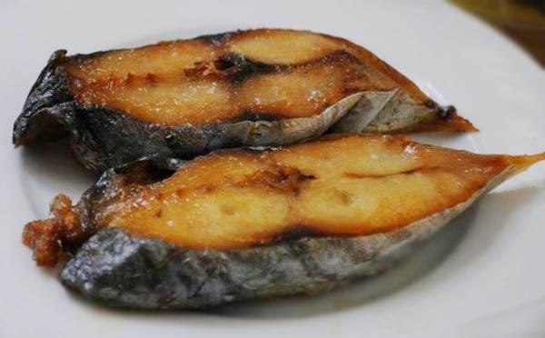 Tại sao thịt cá biển không mặn?