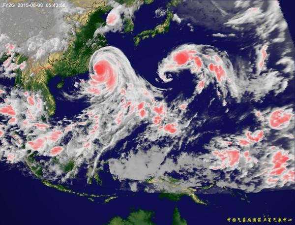 Bản đồ ảnh mây vệ tinh chụp một cơn bão.
