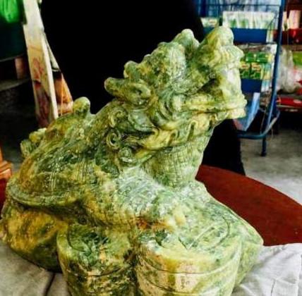Phát hiện cổ vật bằng đá quý nặng gần 20kg