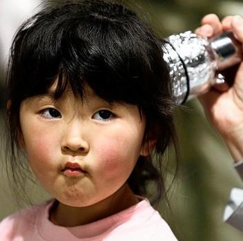 Trẻ em Fukushima mắc ung thư cao gấp 20 lần