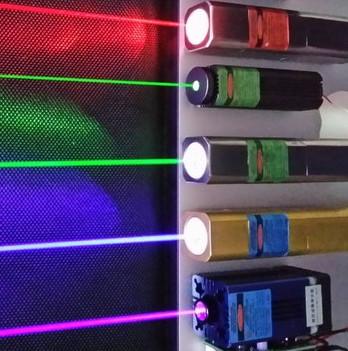 Cần bao nhiêu cây bút laser để chế tạo vũ khí giết người?
