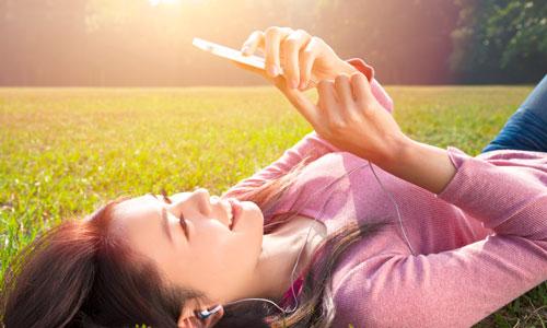 Những cách sử dụng điện thoại tránh bị ung thư