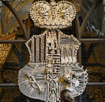 Nhà thờ trang trí bằng hơn 40.000 bộ xương