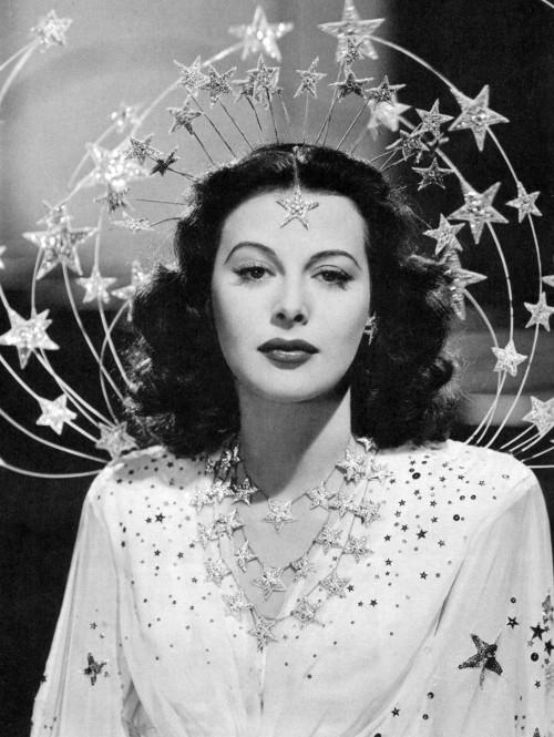 Nữ diễn viên kiêm nhà toán học Hedy Lamarr