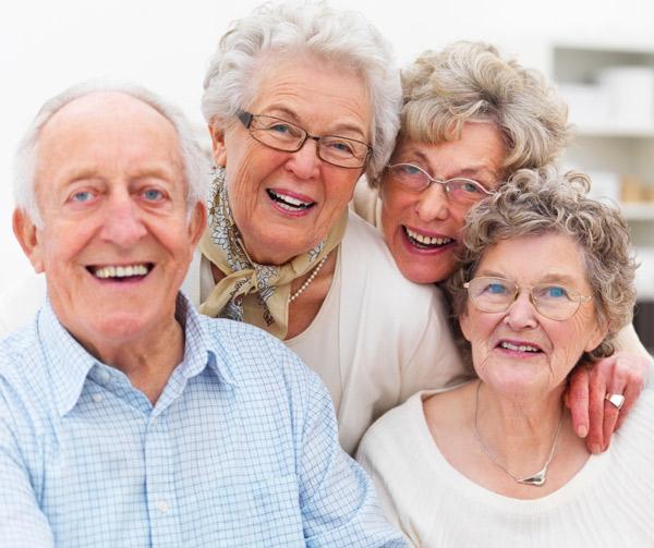 Tóc bạc là do có ít melanin trong keratin.
