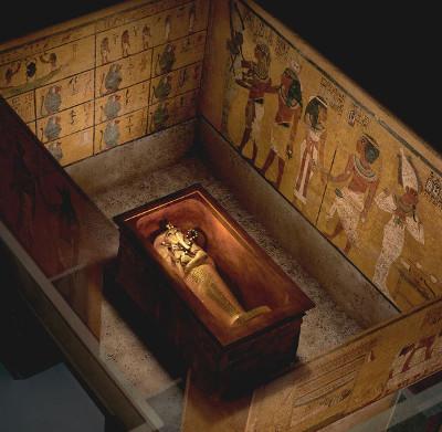 Phòng chứa bí mật có thể tồn tại trong mộ vua Tutankhamun
