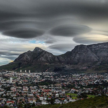 """Thực hư câu chuyện """"UFO"""" ghé thăm Nam Phi"""