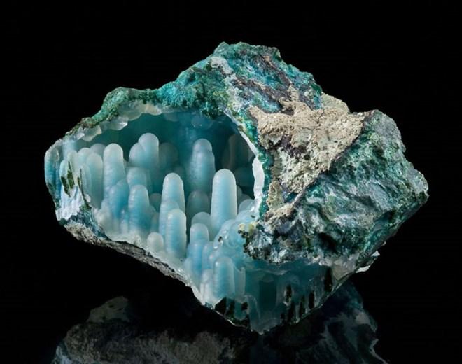 Bí ẩn vũ trụ ẩn giấu trong những viên đá quý tự nhiên
