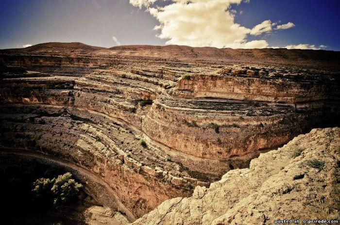Vẻ đẹp kỳ vĩ của các hẻm núi khổng lồ