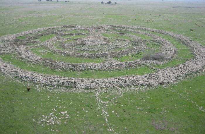 Bánh xe khổng lồ 5.000 năm tuổi trên cao nguyên