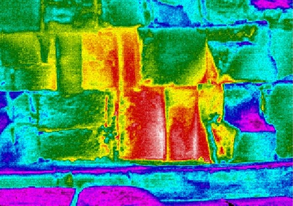 Vết nhiệt bất thường trong kim tự tháp Ai Cập