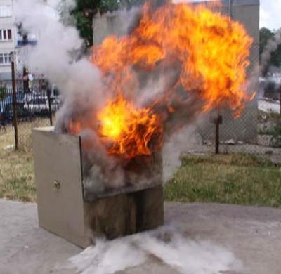 Sáng chế chữa cháy cực giản tiện của người Úc