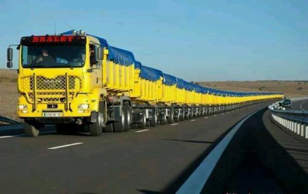 """""""Tàu đường bộ"""" - Những cỗ xe tải dài nhất thế giới"""
