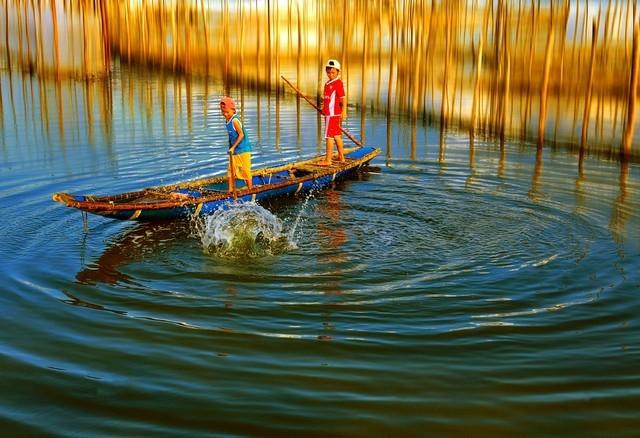 Vẻ đẹp mê hoặc trời nước đầm phá Việt Nam