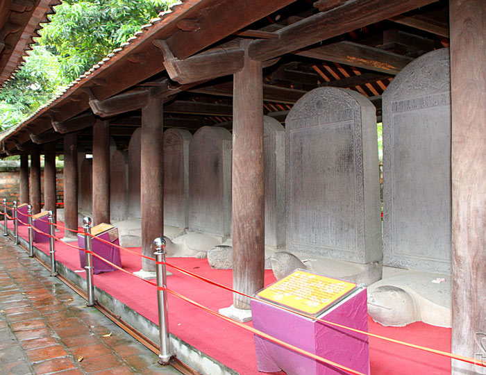 Bia đá các khoa thi tiến sĩ thời Lê - Mạc tại Văn Miếu Hà Nội