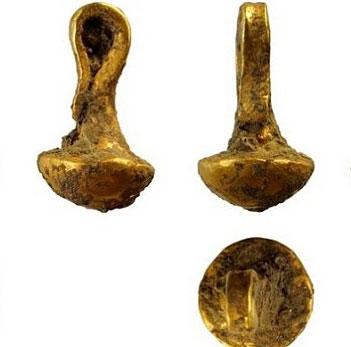 Phát hiện mặt dây chuyền vàng 6.600 năm tuổi