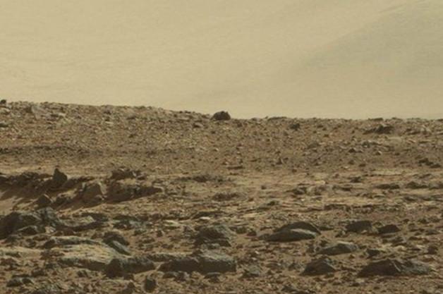 """Dân mạng bàn tán ảnh """"chuột khổng lồ"""" trên sao Hỏa"""