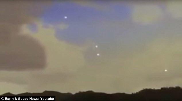Lại phát hiện UFO nhảy múa trên bầu trời Mỹ