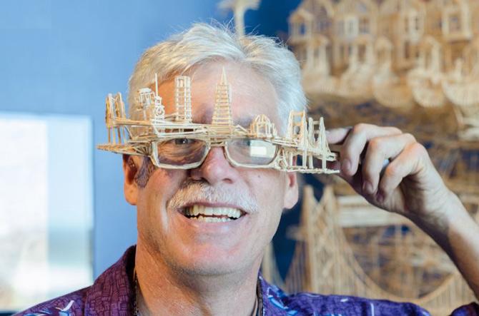 Ngắm những kiệt tác từ 100 000 cây tăm xỉa răng được xây dựng trong 35 năm