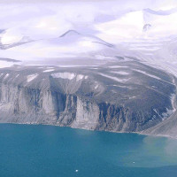 Nước cổ đại 4,6 tỷ năm ẩn sâu hàng nghìn km dưới lòng đất