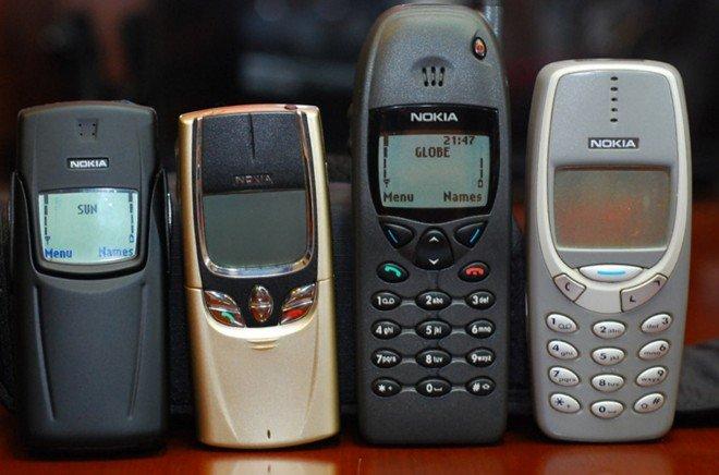 """5 lý do khiến nhiều người vẫn thích dùng điện thoại """"cục gạch"""" hơn smartphone"""