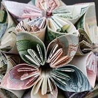 Những mẫu xếp hình bằng tiền độc đáo trên thế giới