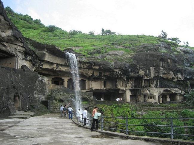 Quần thể hang động Ellora - Ấn Độ