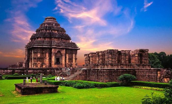 Hiện nay đền thờ thần mặt trời Konarak là một trong nhưng di sản quan trọng của Ấn Độ