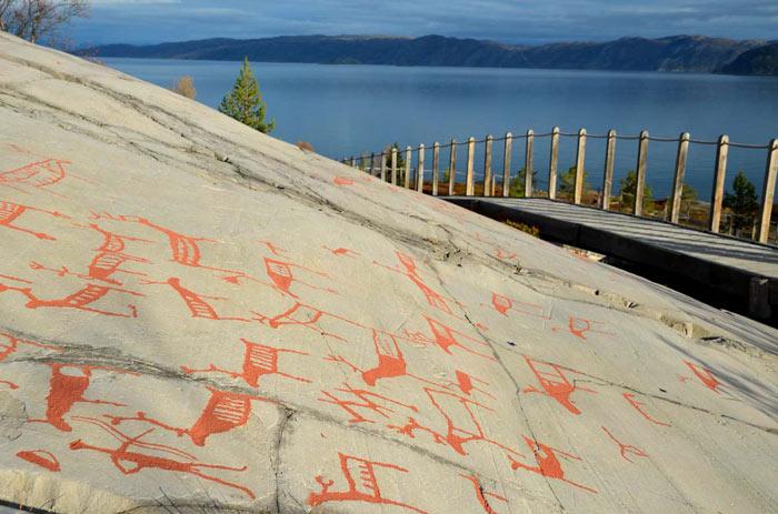 Các hình khắc trên đá ở Alta nằm trong một khu vực di chỉ khảo cổ tại tỉnh Finnmark, Bắc Na Uy