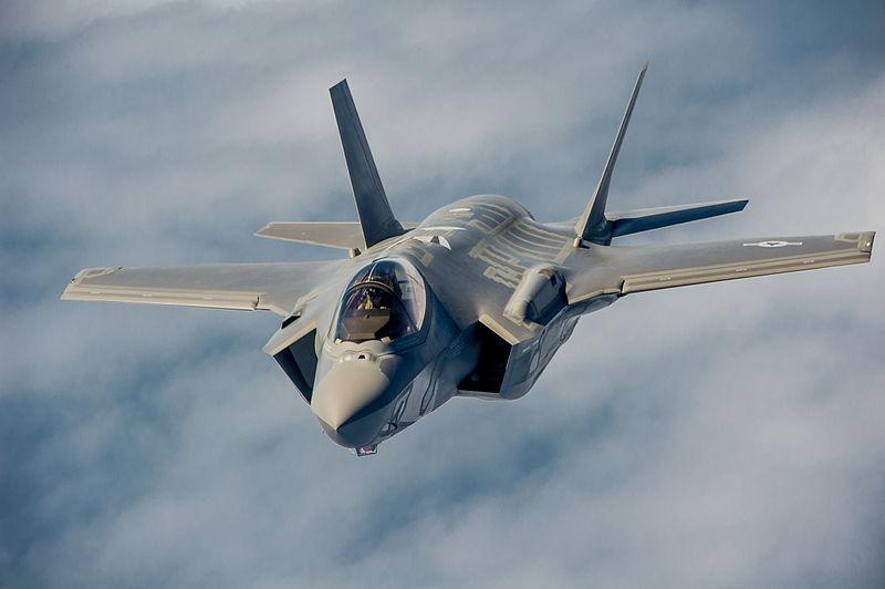 F-35 bay thử nghiệm tiếp nhiên liệu trên không