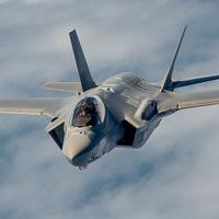 15/12/2006 - Máy bay tiêm kích Lockheed Martin F-35 Lightning II tiến hành chuyến bay đầu tiên