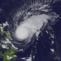 Siêu bão Melor đổ bộ Philippines, 3 người chết
