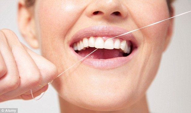 Chỉ nha khoa giúp hạn chế vi khuẩn gây sâu răng, viêm răng kích hoạt trong các động mạch, đây là một yếu tố gây bệnh tim