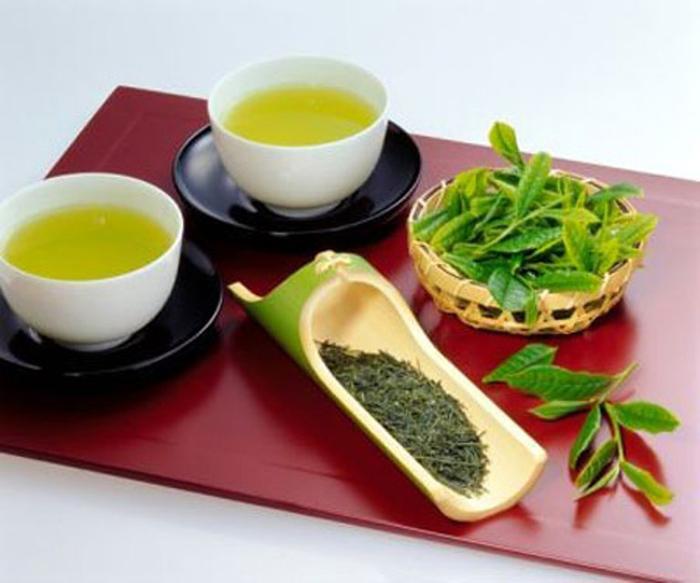 Uống trà mỗi ngày được chứng minh là giảm mức độ căng thẳng và giúp tăng tỉ lệ sống sót sau một cơn đau tim tới 28%.