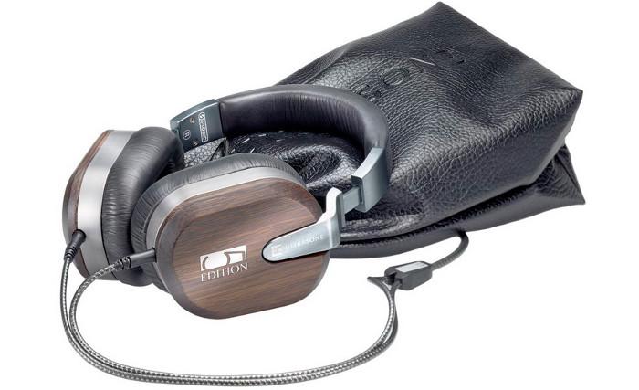 Chỉ có 555 chiếc được bán ra trên toàn thế giới, máy được sản xuất bởi hãng tai nghe danh tiếng Ultrasone.