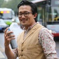 Dân Trung Quốc đổ xô mua không khí sạch đóng chai từ Canada