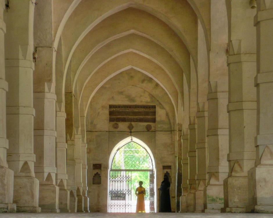 Hiện nay Nhà thờ hồi giáo Bangerhat là tài sản được quản lý theo Đạo luật Antiquities năm 1968