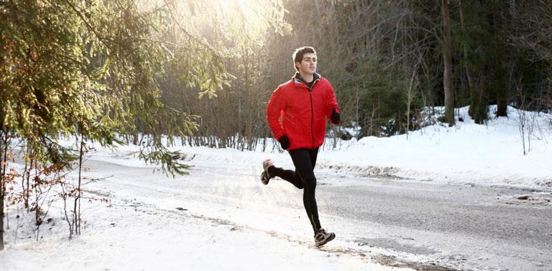 Tập thể dục không chỉ giúp bạn có một sức khỏe tốt, có một vóc dáng như ý, mà còn giúp bạn cảm thấy ấm người hơn. Khi tập thể dục, cơ thể bạn sẽ tạo ra nhiệt, giúp cơ thể ấm áp hơn.