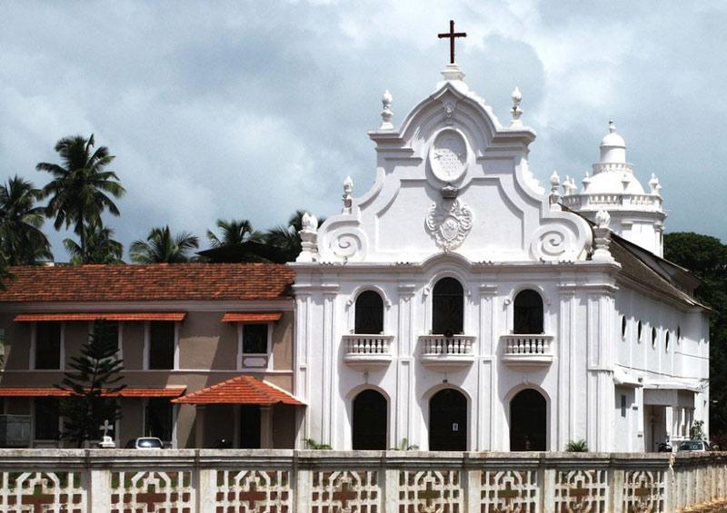 Nhà thờ và Tu viện ở Goa là một nhóm các tòa nhà linh thiêng ở Goa thuộc bang Goa, Ấn Độ.