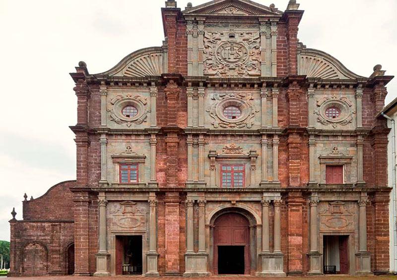 Năm 1542, nhà truyền giáo Francis Xavier đến Goa và biến nơi này trở thành một trung tâm giáo hội thực sự.