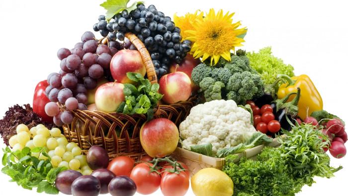 Nên ăn nhiều rau củ quả, vitamin C để bảo vệ sực khỏe khi vào đông.