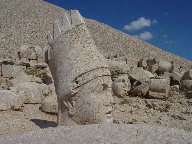 Di sản này đã cho thấy sự vĩ đại của những bậc vua từ hàng nghìn năm trước cũng như sự tài ba của những người thợ đã tạc nên những pho tượng khổng lồ đầy sức sống này.